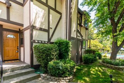 Sacramento Single Family Home For Sale: 2523 Exeter Square Lane