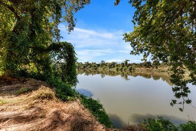 Sacramento Residential Lots & Land For Sale: 5615 Garden Highway