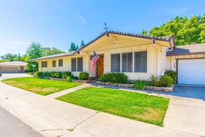 Sacramento Single Family Home For Sale: 5524 Pinecone Court