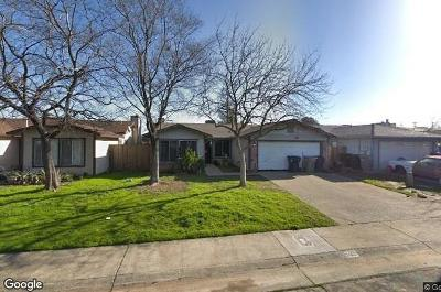 Sacramento Single Family Home For Sale: 31 Lacam Circle