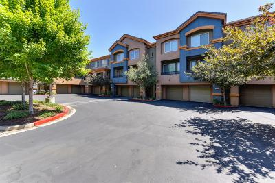 Sacramento Condo For Sale: 2001 Club Center Drive #1134