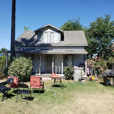 Sacramento Single Family Home For Sale: 3829 Belden Street