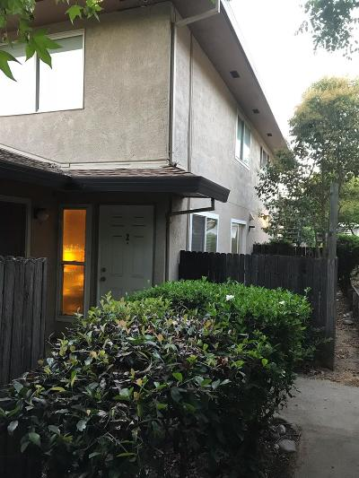 Sacramento Condo For Sale: 4736 Greenholme Drive #2