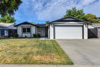 Sacramento Single Family Home For Sale: 6208 Carl Sandburg Circle