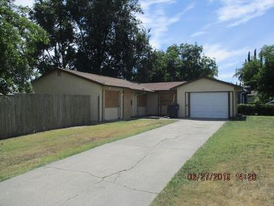 Sacramento Single Family Home For Sale: 7500 Balfour Way