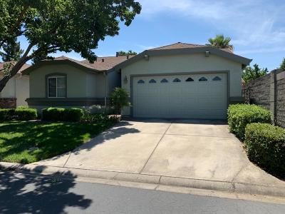 Sacramento Single Family Home For Sale: 7100 Sunbridge Lane