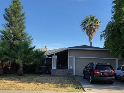 Sacramento Single Family Home For Sale: 4080 Deer Run Way
