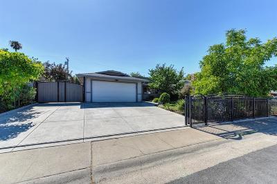 Rancho Cordova Single Family Home For Sale: 3022 La Rue Way