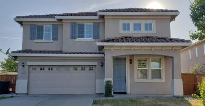 Elk Grove CA Single Family Home For Sale: $478,000