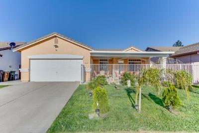 Elk Grove CA Single Family Home For Sale: $435,000
