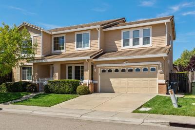 Sacramento CA Single Family Home For Sale: $529,000