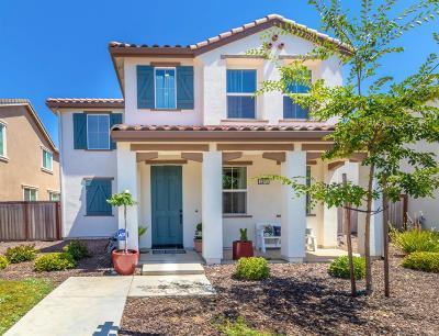 Rancho Cordova Single Family Home For Sale: 3235 Foxton