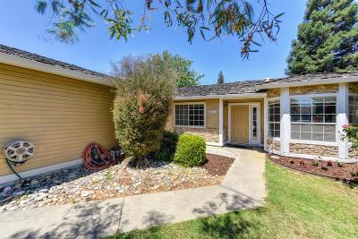 Roseville Single Family Home For Sale: 623 Oakborough Avenue