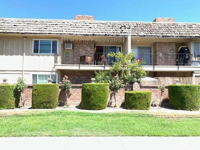 Country Club Single Family Home For Sale: 2421 Country Club Boulevard #25
