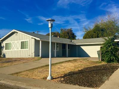 Sacramento County Single Family Home For Sale: 5315 Colusa Way
