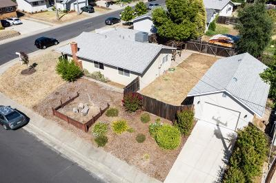 Folsom Single Family Home For Sale: 105 Penaranda Drive