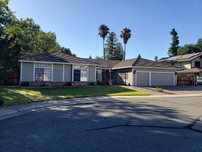 Elk Grove Single Family Home For Sale: 8801 Bradbury Court