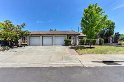 Roseville Single Family Home For Sale: 1118 Cottonwood Drive
