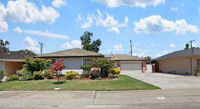 Lodi Single Family Home For Sale: 725 Costa Drive
