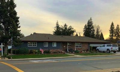 Lodi Single Family Home For Sale: 2000 West Tokay Street