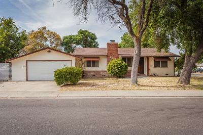 Single Family Home For Sale: 841 East Mayfair Avenue