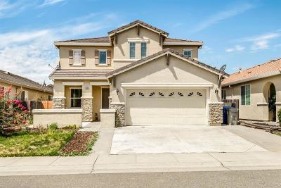 Sacramento Single Family Home For Sale: 5623 La Casa Way