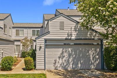 Sacramento Single Family Home For Sale: 3813 Pasadena Avenue #43
