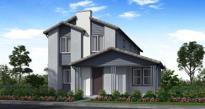 Rancho Cordova Single Family Home For Sale: 12741 La Granada Way