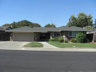 Yolo County Single Family Home For Sale: 215 Cypress Drive