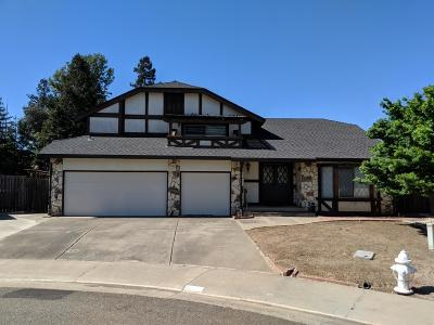 Elk Grove Single Family Home For Sale: 8521 Fir Crest Court