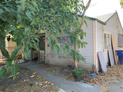 Sacramento CA Single Family Home For Sale: $165,000