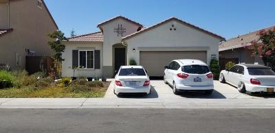 Elk Grove Single Family Home For Sale: 7541 Chappelle Way