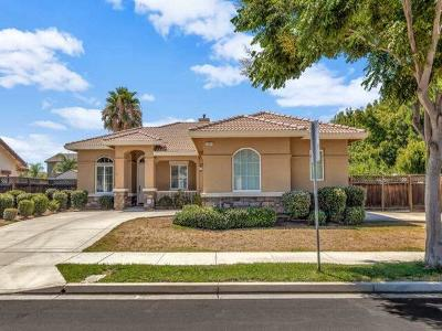 Brentwood Single Family Home For Sale: 654 Ray
