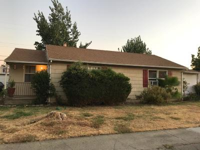 Sacramento CA Single Family Home For Sale: $240,000