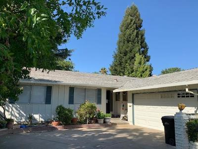 Sacramento CA Single Family Home For Sale: $310,000