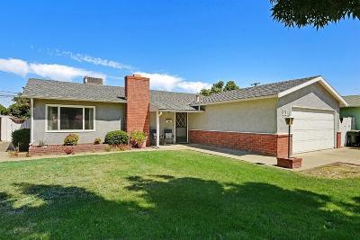 Tracy Single Family Home For Sale: 33 Pereira Avenue