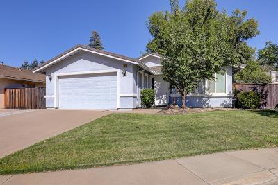 Roseville Single Family Home For Sale: 109 Anderson Court
