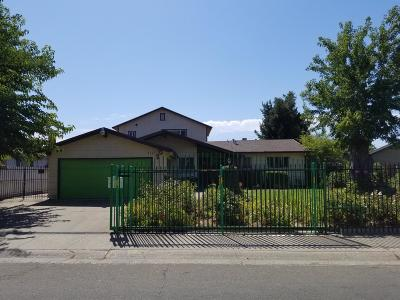 Sacramento Single Family Home For Sale: 7251 Amherst Street
