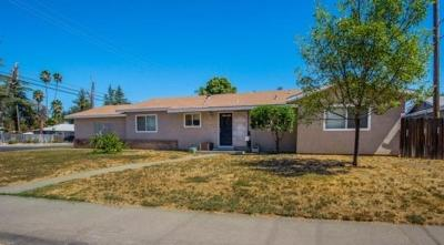 Woodland Single Family Home For Sale: 1415 Coloma Way