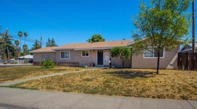Davis, Woodland Single Family Home For Sale: 1415 Coloma Way