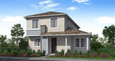 Rancho Cordova Single Family Home For Sale: 12799 La Granada Way
