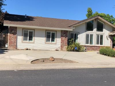 Roseville Single Family Home For Sale: 912 Oak Ridge Drive
