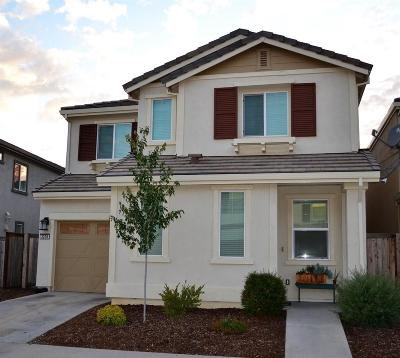Rancho Cordova Single Family Home For Sale: 3238 Correll Way