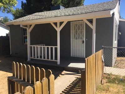Stockton Single Family Home For Sale: 104 South Dawes Avenue