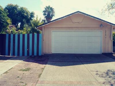 Sacramento Single Family Home For Sale: 4418 Myrtle