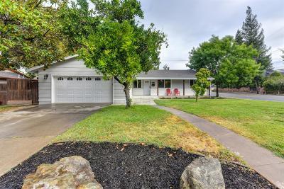 Carmichael Single Family Home For Sale: 6655 Oakcrest Avenue