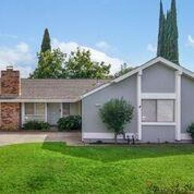 Citrus Heights Single Family Home For Sale: 7712 Guenivere Way