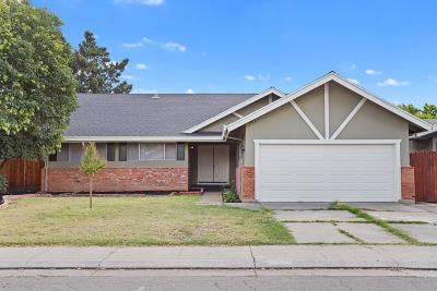 Stockton Single Family Home For Sale: 122 Stirling Court