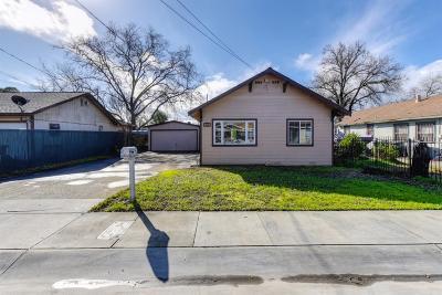 Sacramento Single Family Home For Sale: 3840 13th Avenue