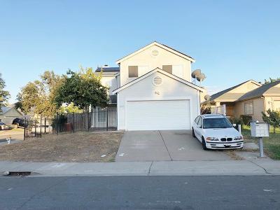 Sacramento Single Family Home For Sale: 8135 Eddington Way